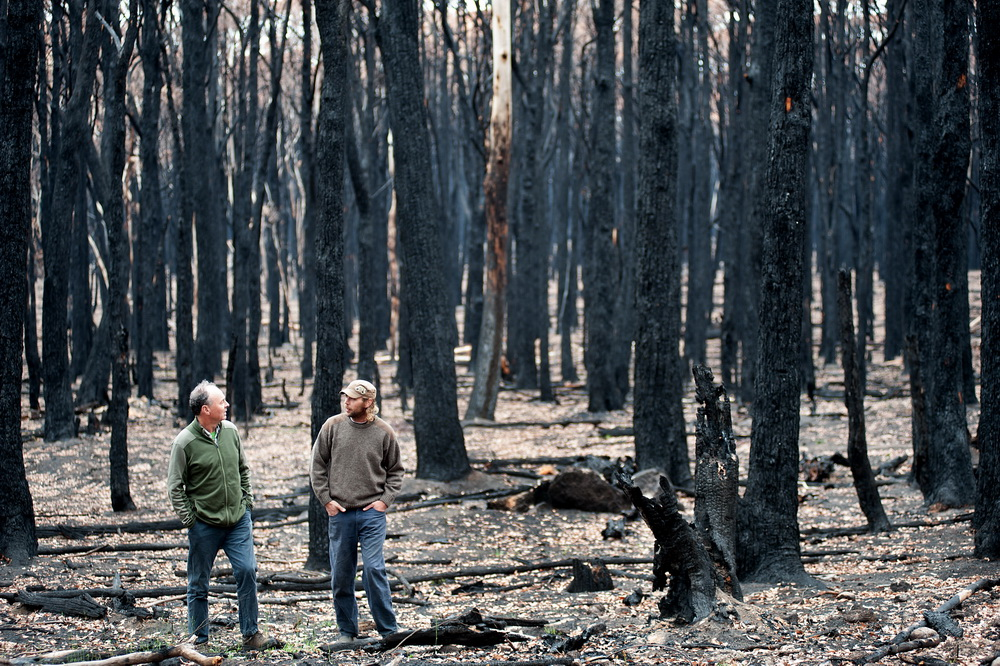 Landowner Hamish Anderson talks to FIre Recovery Officer from MRSC on is porperty after the recent CObaw-Lancefield Fires.©Scheltema